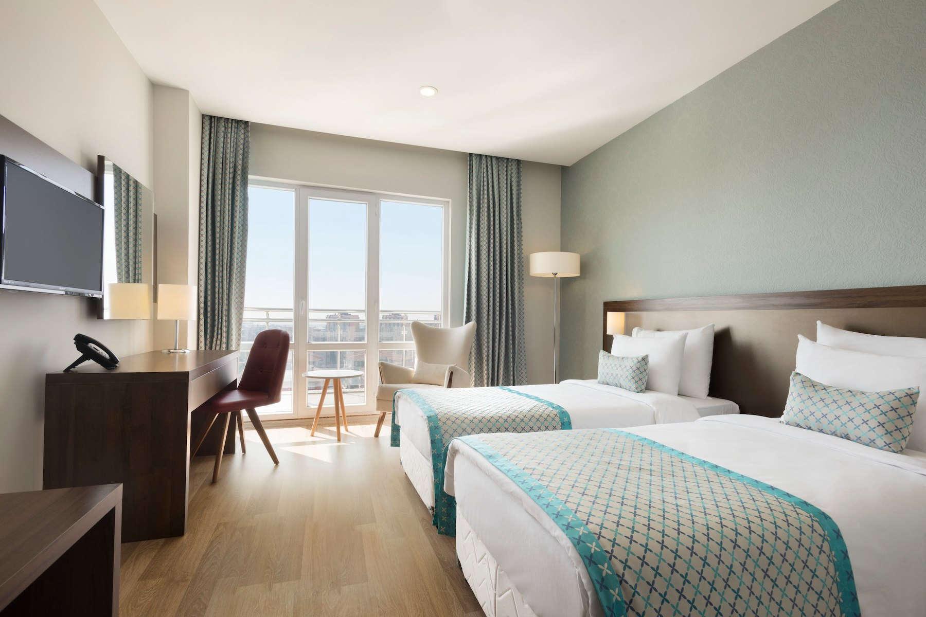 50071_guest_room_1